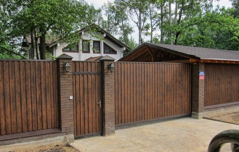 Beautiful gate with a wicket from a professional flooring