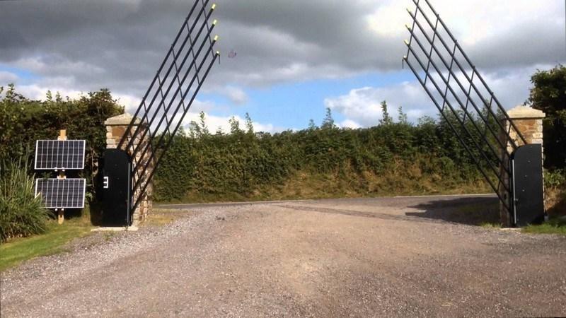 Lifting gates