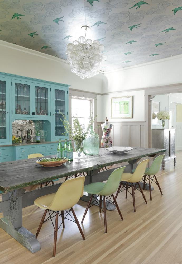 Non-woven wallpaper in a spacious provence kitchen