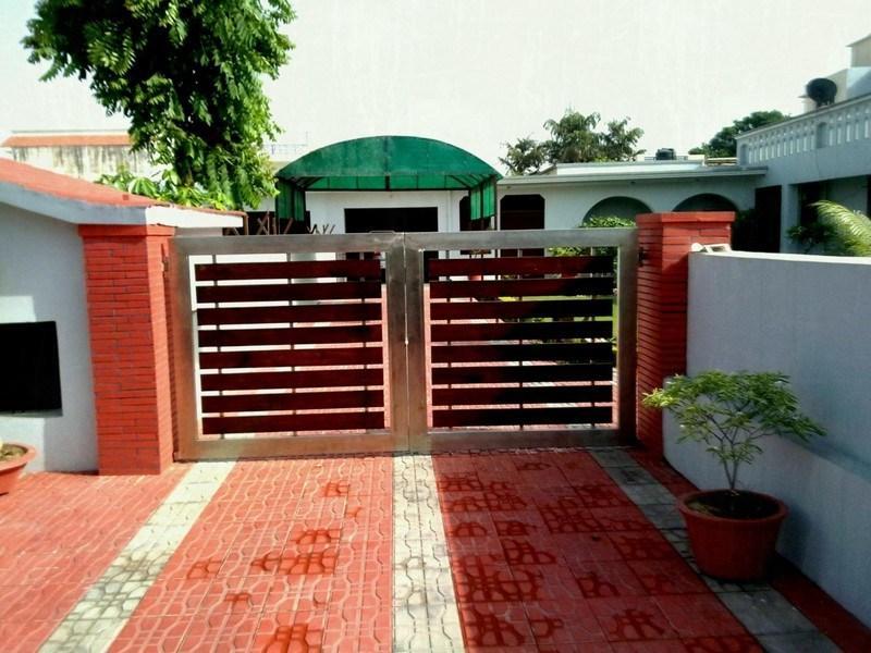 Swing gates for a summer residence