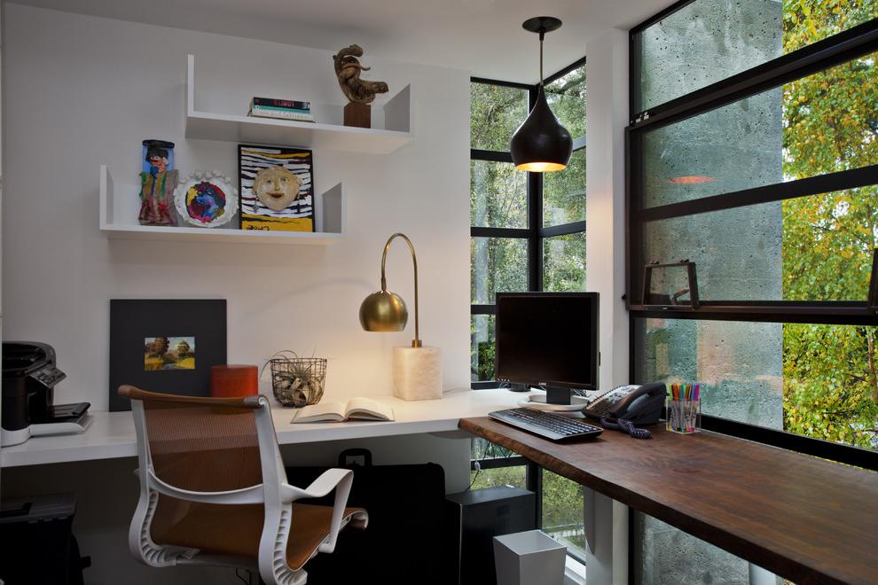Corner work area at the panoramic window