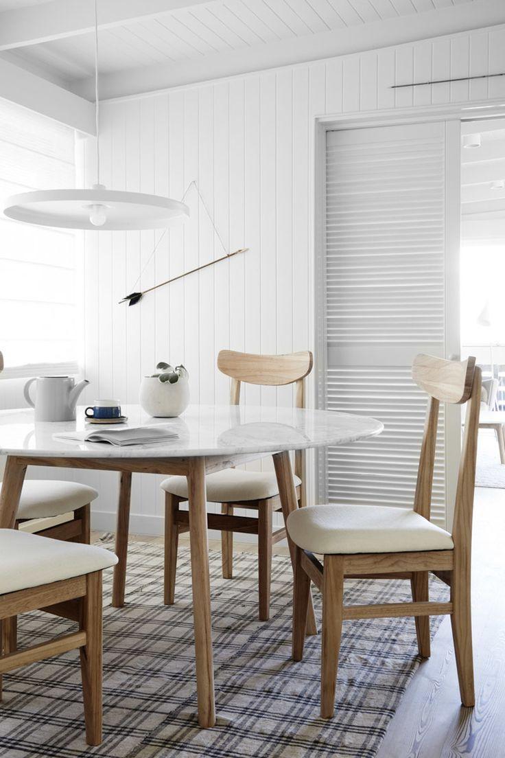 Minimalistic Oval table