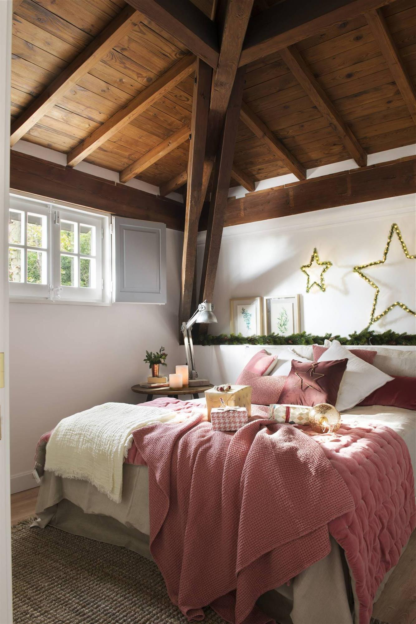 RUSTIC IN WHITE AND PINK