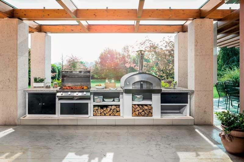Warehouse space in the outdoor kitchen