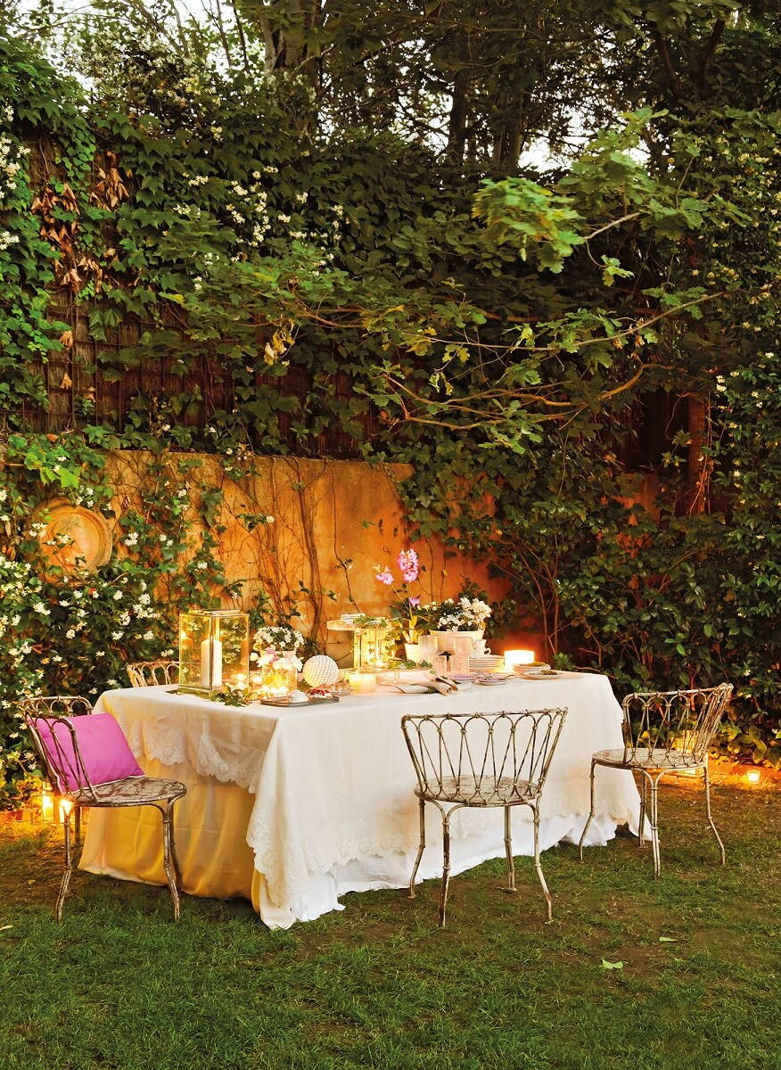 A MAGICAL DINNER IN THE GARDEN