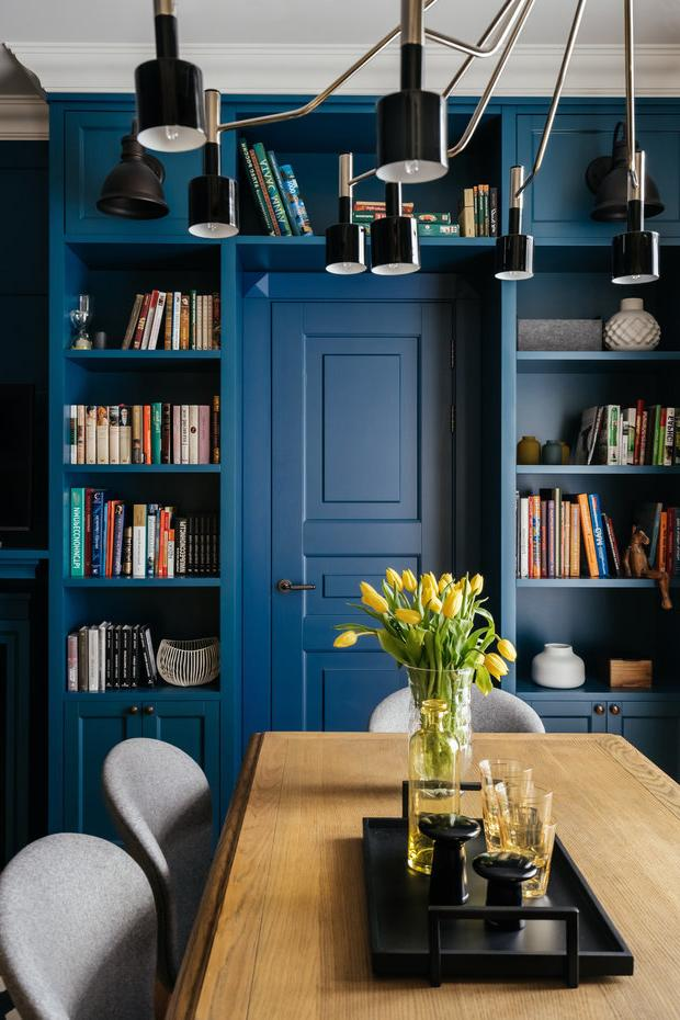 Bookcase around a door or window