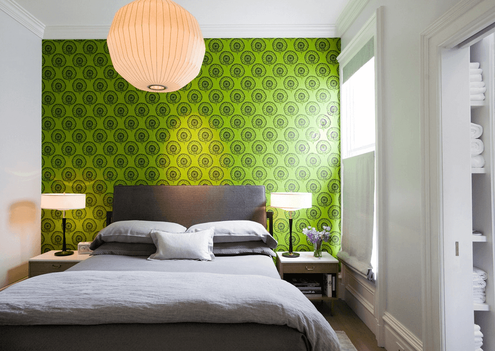 Motley green wallpapers will help to emphasize fusion style.