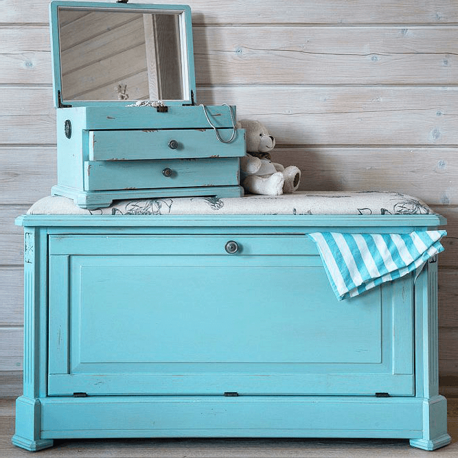 Provence-style wooden chest with an extra jewelry stand
