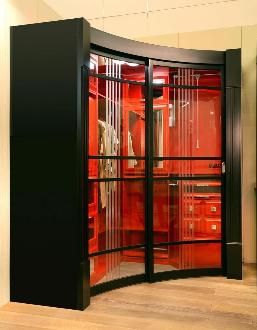 Radius Cabinet