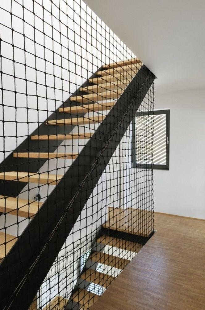Railing must comply with the style and comply with safety requirements.