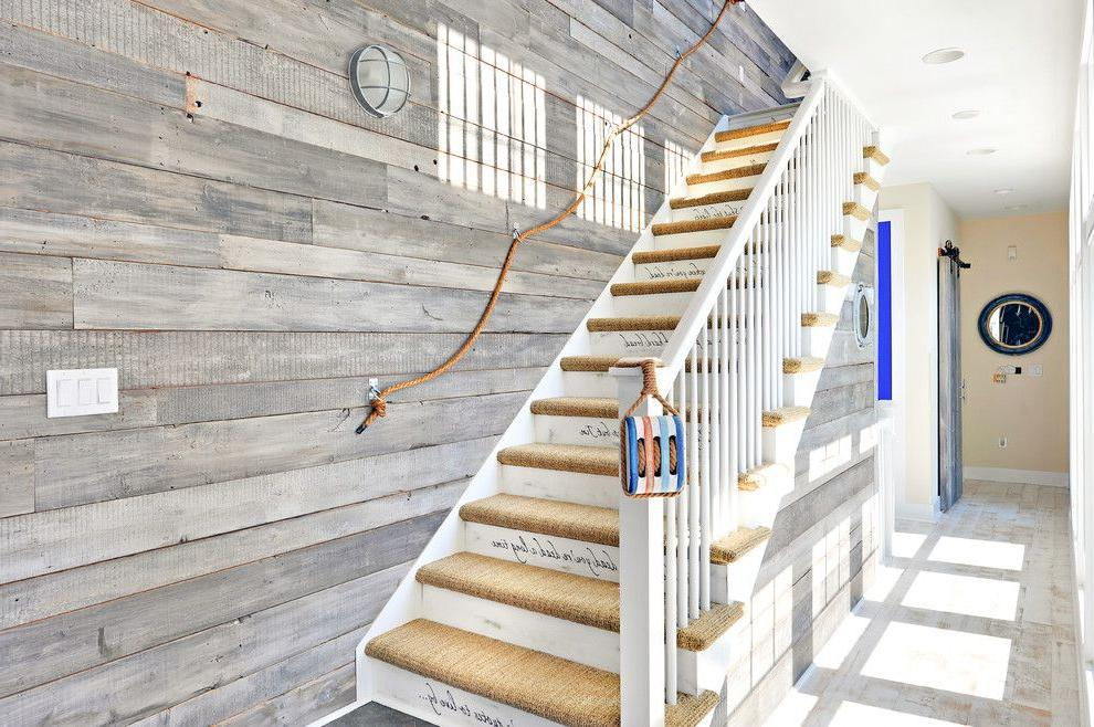Wooden railings will fit perfectly into the marine style.