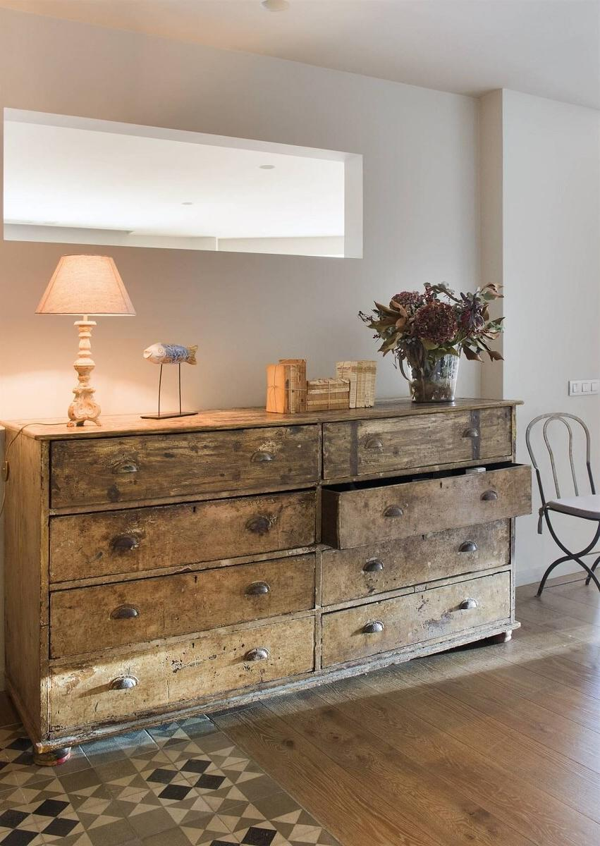 old age wood chest drawers