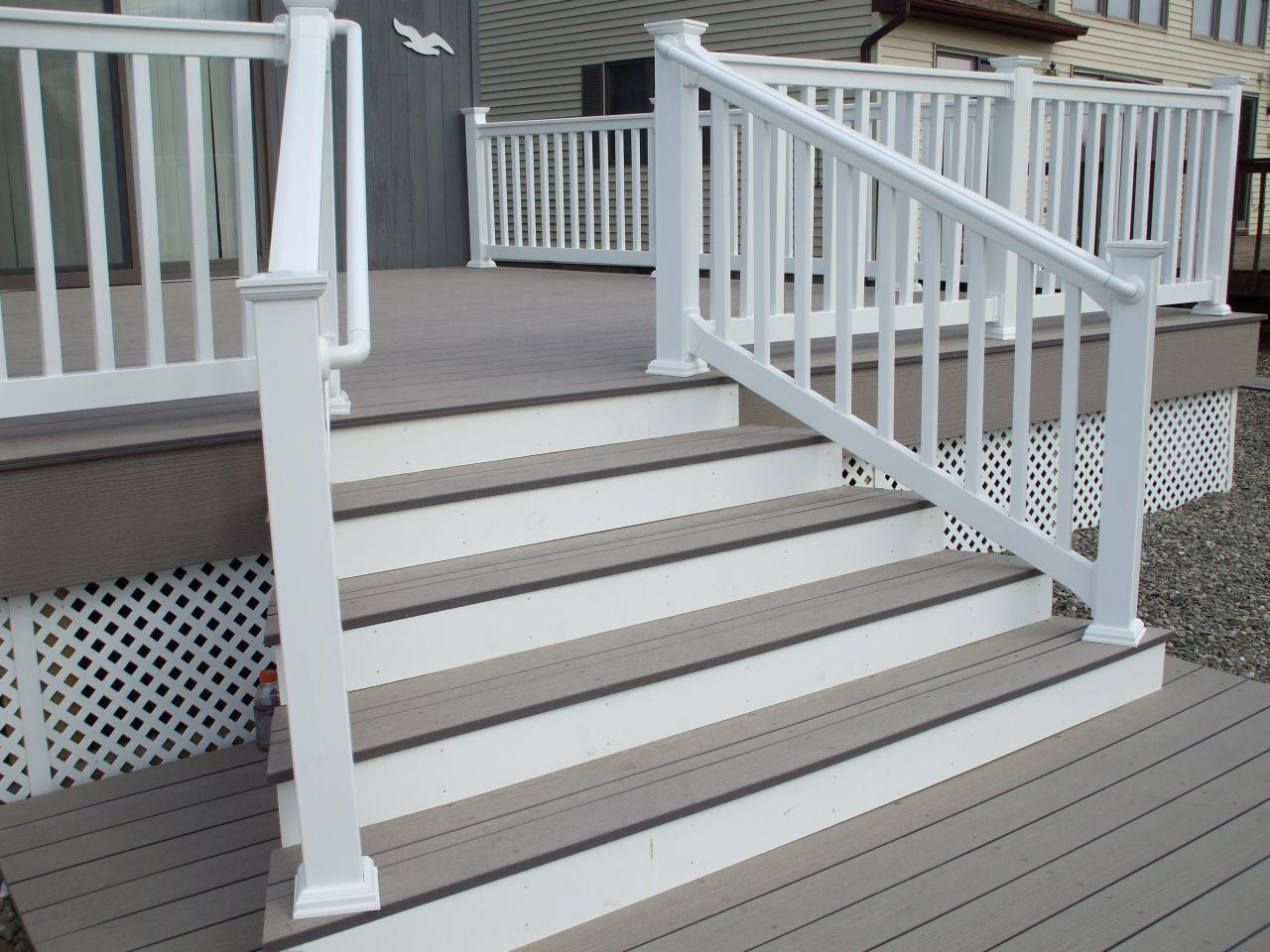 porch should not only have a perfect and beautiful appearance, but also fit in and concisely with the overall exterior of the building and the backyard.