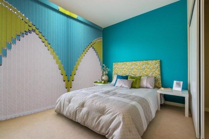 Combined plastic and fabric blinds