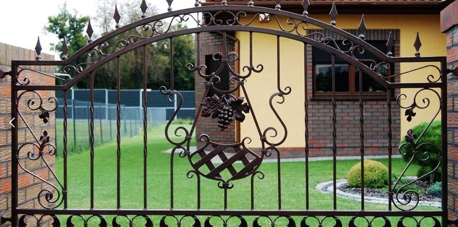 Forged fence has a decorative function