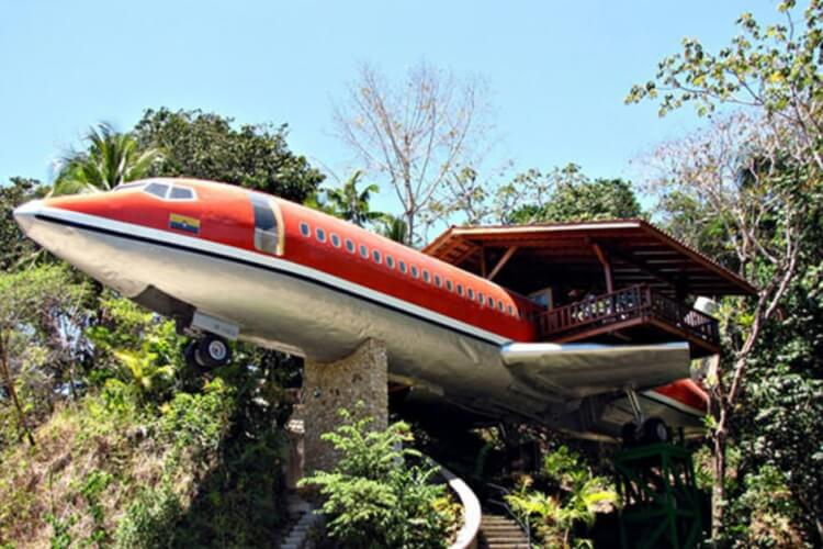 HOUSE-PLANE, A BOEING 727, COSTA RICA