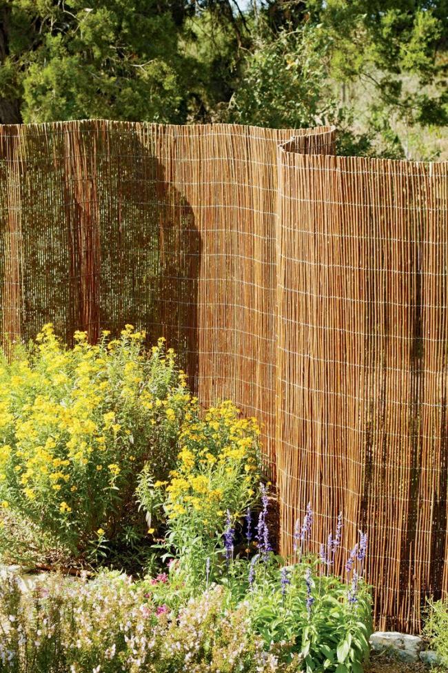 Homemade Long Rod Garden Fence