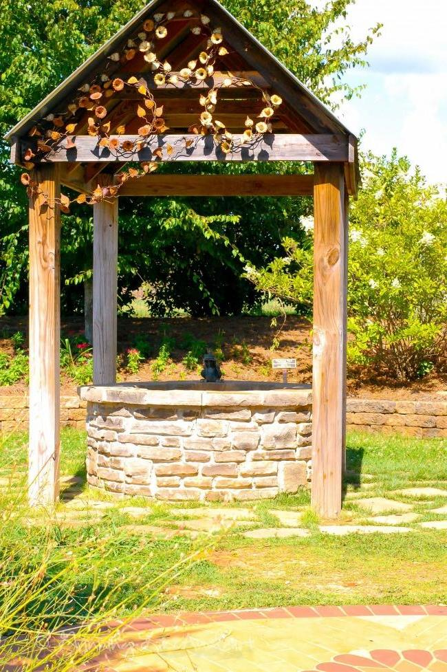 Old Style Well Lodge