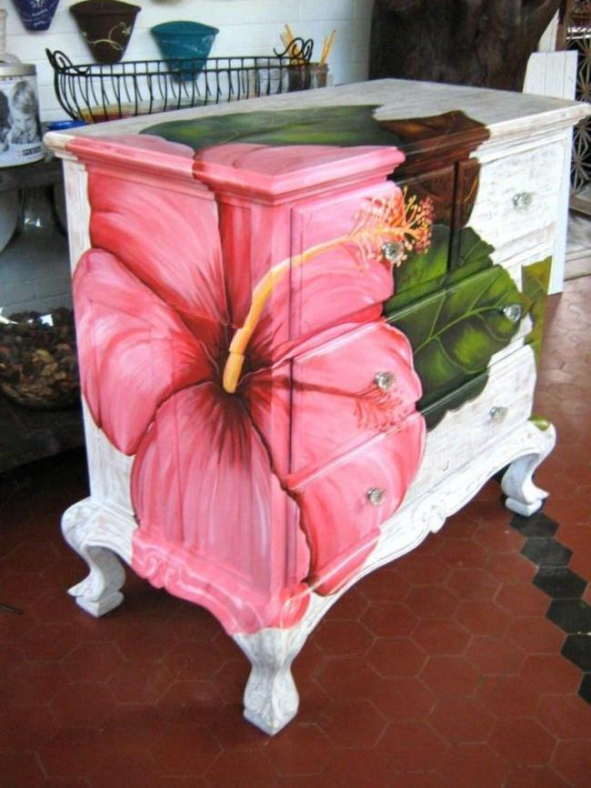 Renovated furniture can be beautifully painted colors