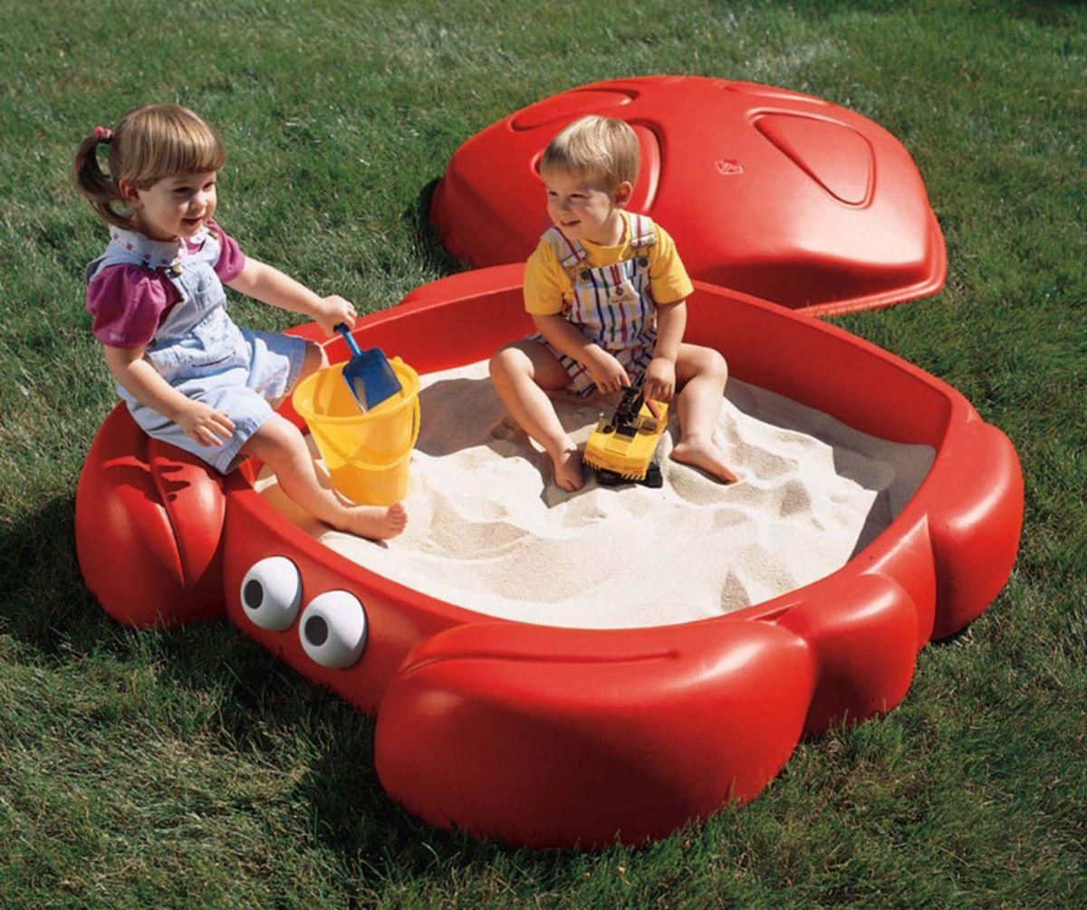 Sandbox made of linear polyethylene in the form of a crab
