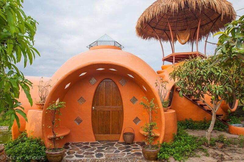 Steve Arin's domed house