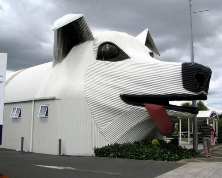 Tirau-New-Zealand.-Sheep-and-Dog-Buildings