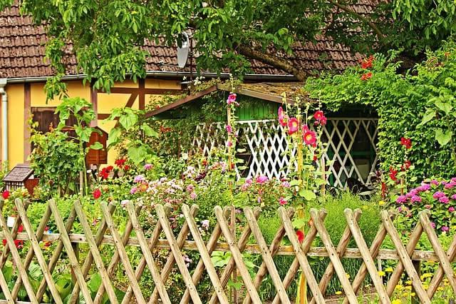 Wooden-Lattices fencing styles
