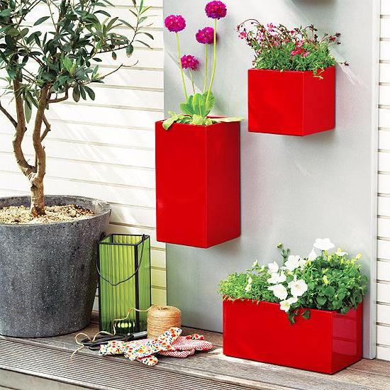 wall mounted flower pots and planters