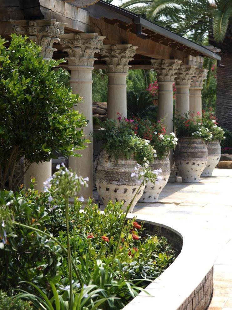 garden surroundings, street flowerpots