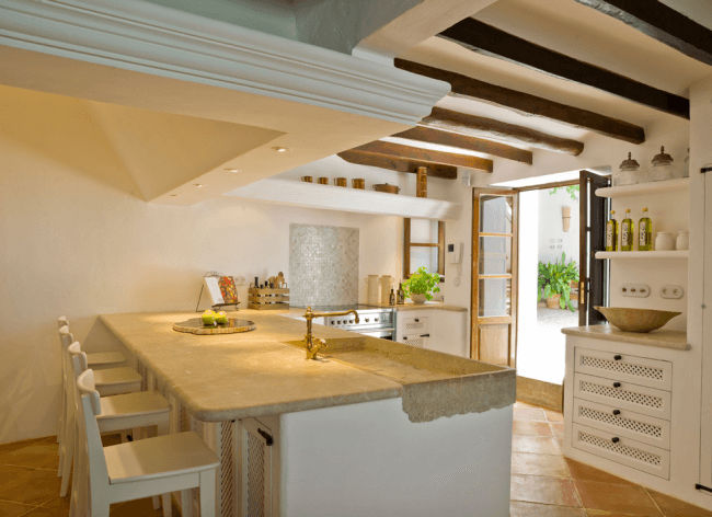 Modern and at the same time romantic Mediterranean style kitchen interior