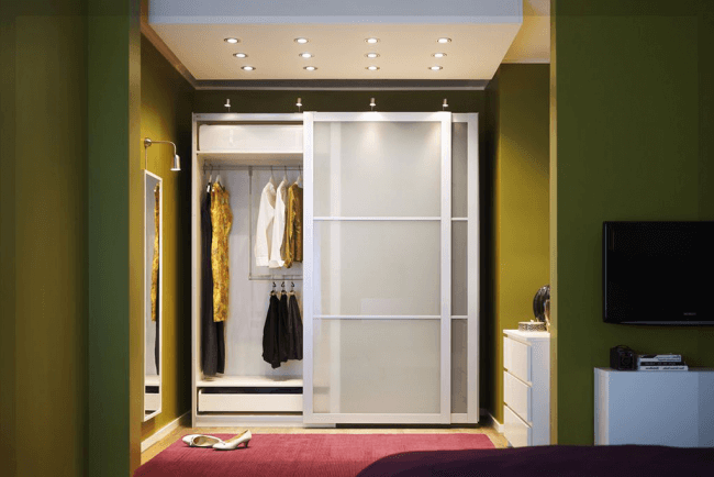 A great solution for a small hallway