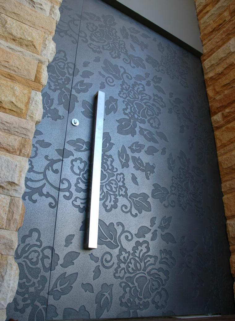 Door with flower engravings