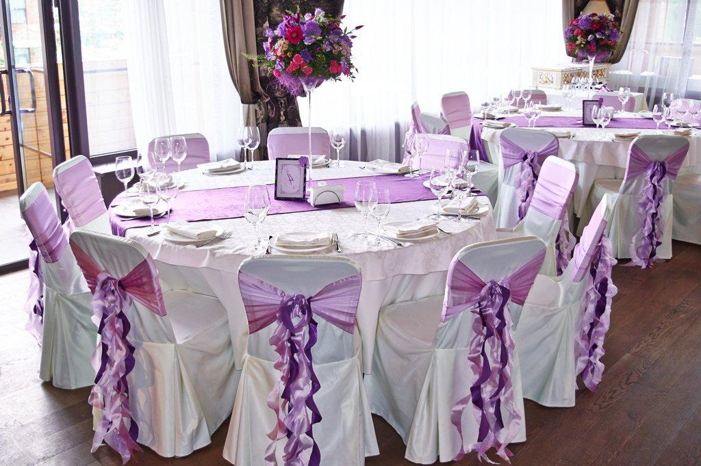 Guest tables and chairs