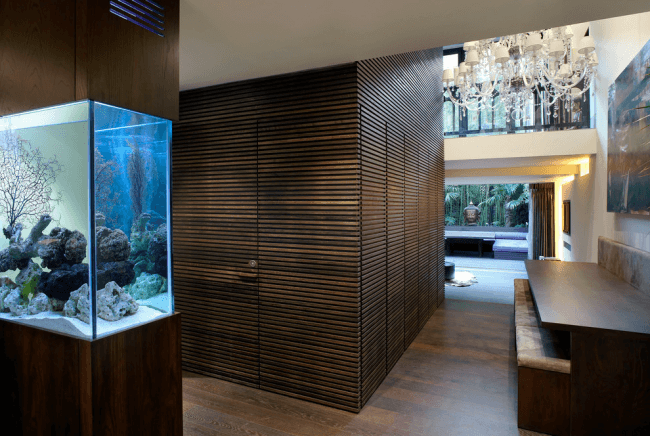 The aquarium will effectively decorate the interior