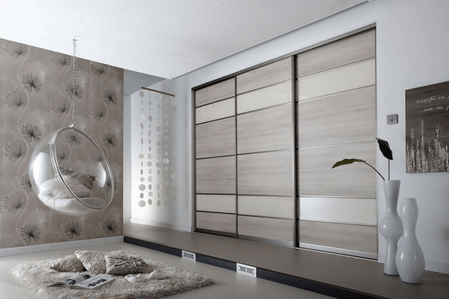 With the help of built-in furniture, you can visually change the parameters of the room