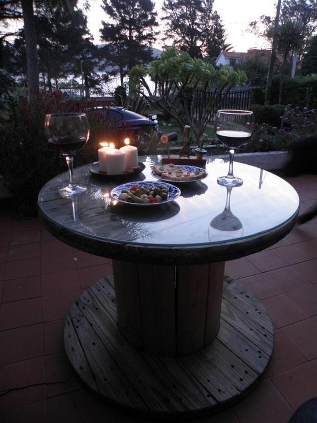 Coil Romantic Dinner Table