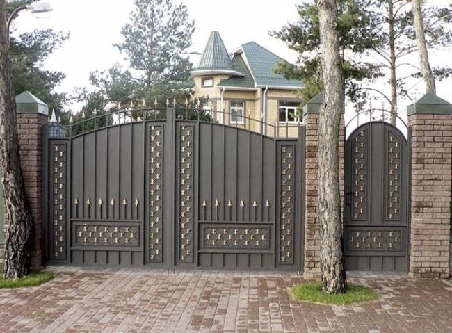 Gates of a country estate with a wicket