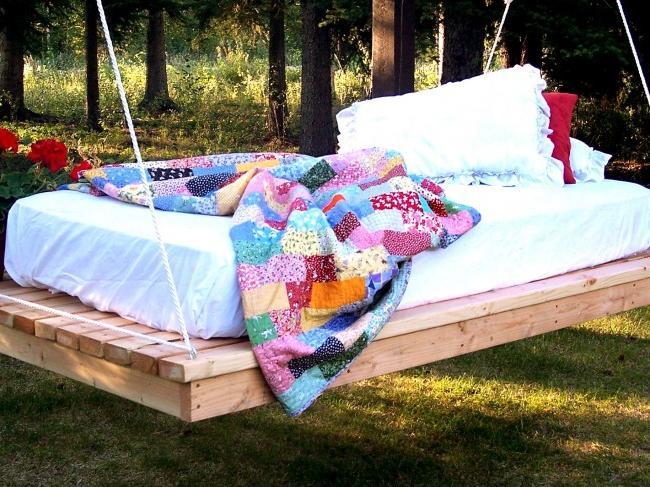 Hanging swing bed