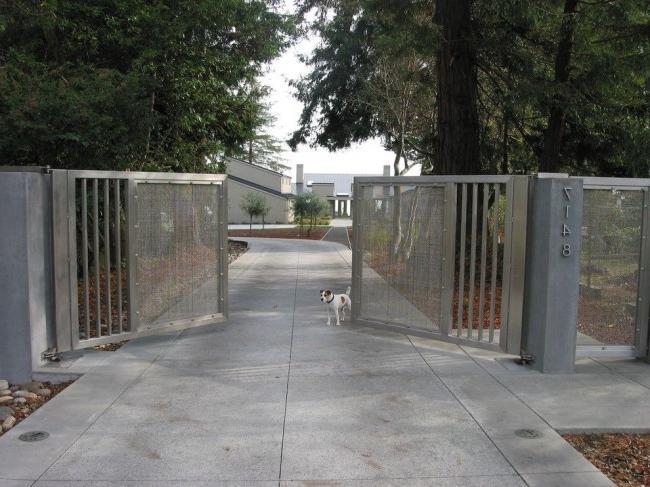 Metal gates have a huge number of advantages