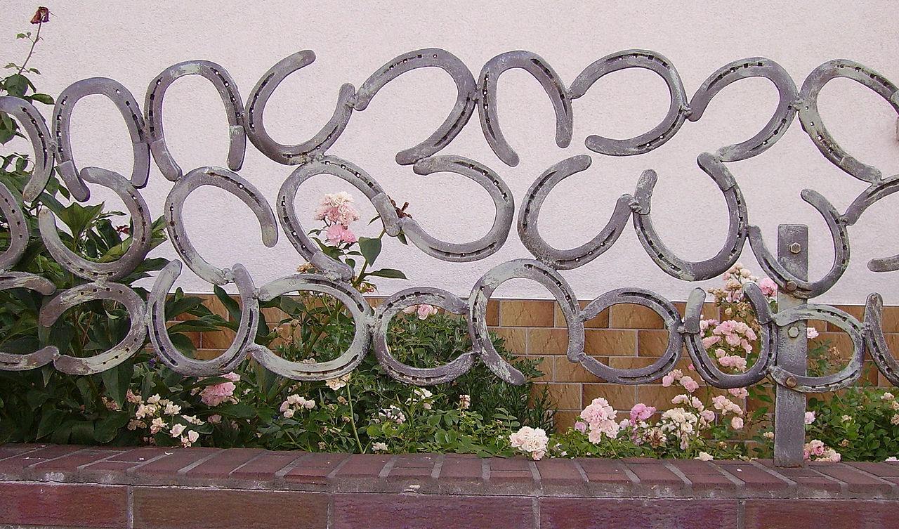 original horseshoe fence