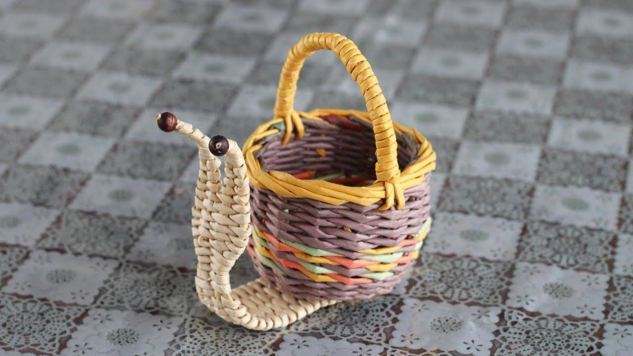small weaving baskets from newspaper tube