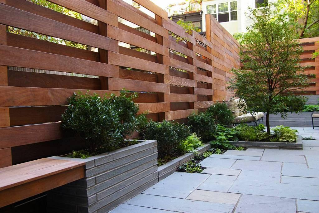 Checkerboard fence
