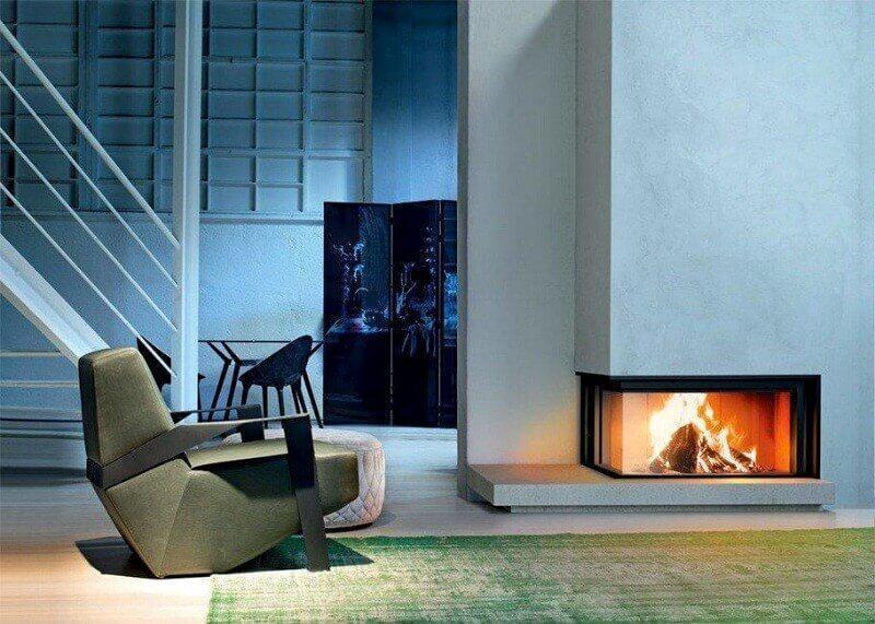 Symmetrical corner fireplaces