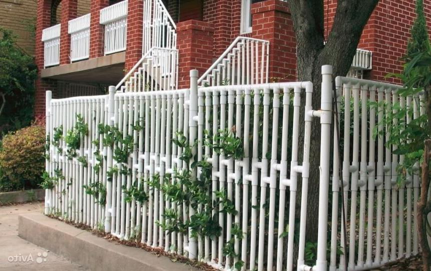 pipe fence designs